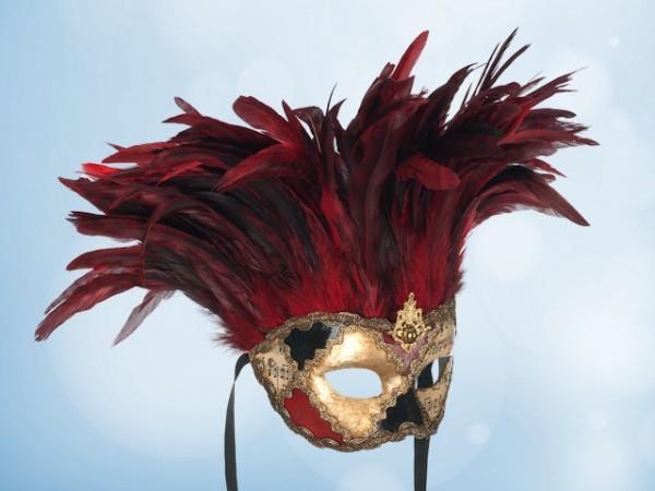 Venetiaans masker met rode veren